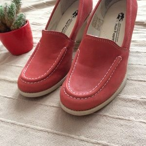 Hush Puppies Shoes - EUC Hush Puppies Red Leather Loafer Heels